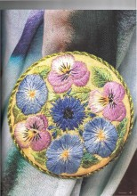 This beautifully embroidered Pansy Brooch by Dorothy Addlem is a joy to stitch and an even greater joy to wear.
